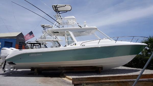2016 Everglades Boats 350 Cc