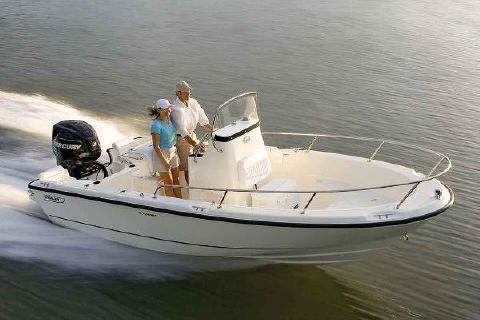 2017 Boston Whaler 190 Outrage Manufacturer Provided Image
