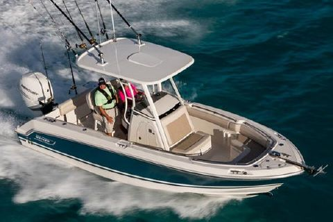 2018 Boston Whaler 230 Outrage Manufacturer Provided Image