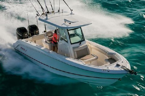 2018 Boston Whaler 250 Outrage Manufacturer Provided Image