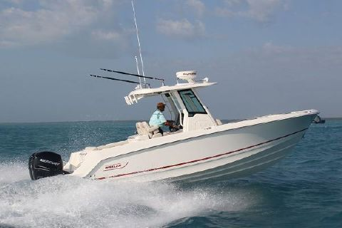 2017 Boston Whaler 280 Outrage Manufacturer Provided Image