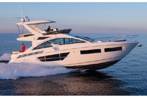 2017 Cruisers Yachts 60 Fly Manufacturer Provided Image