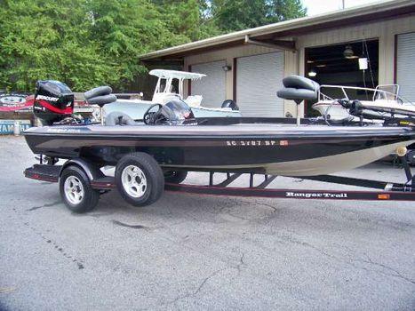 2003 Ranger 205 Vs