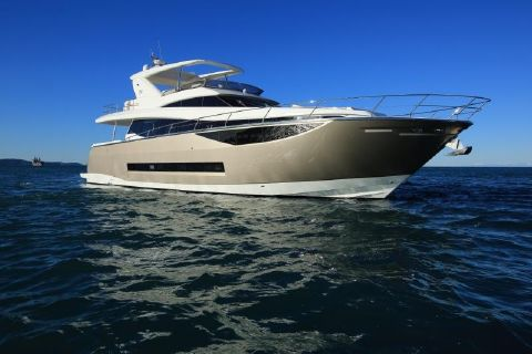 2018 Prestige 750 Motor Yacht World's First Photos of Prestige 750