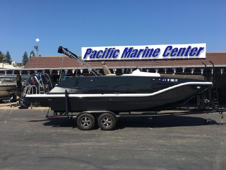 2017 Bayliner Element XR7-Mercury 200hp Verado