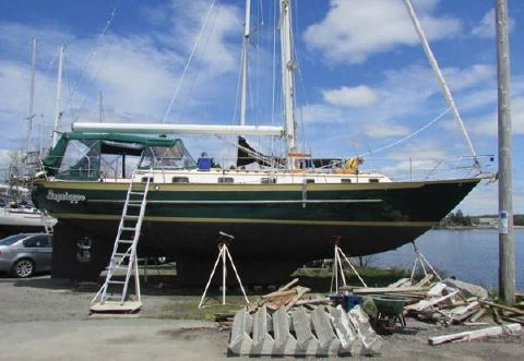 1990 Pacific Seacraft Crealock 44