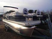 2015 APEX MARINE LS 820-24 Sport Cruise Front Fish