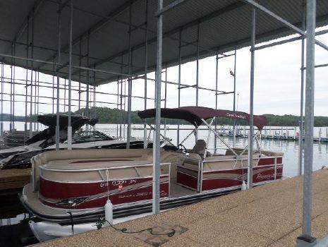 2012 Tracker Regency Party Barge 250 XP3
