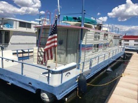 1985 Boatel Houseboat