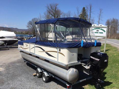 2005 Crest Pontoon Boats 22' Super Sport