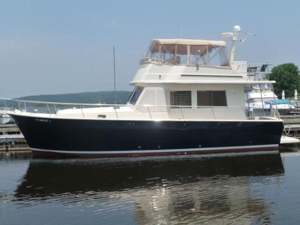 2007 Mainship 2 stateroom 430 Trawler 43' Mainship port profile photo1