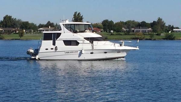 2001 Silverton 453 Pilothouse