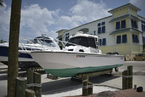 1997 BOSTON WHALER Offshore 27
