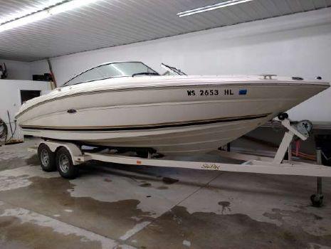2001 Sea Ray 230 Signature Bow Rider