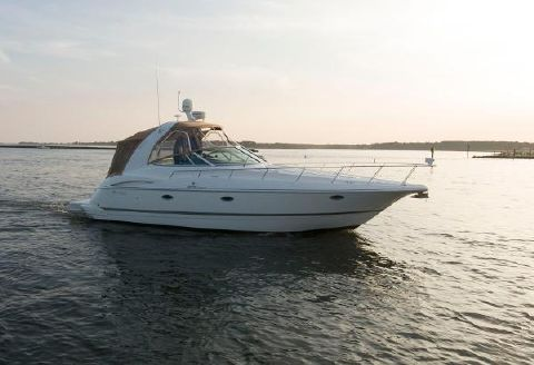 2007 Cruisers Yachts 370 Two Private Cabins