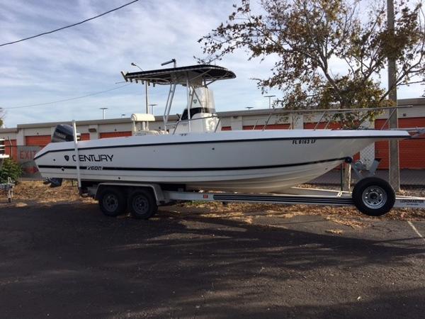 2000 century 2600 26 foot 2000 century motor boat in for Century motors of south florida