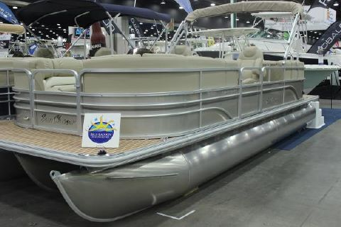 2015 SunChaser 24' Classic Lounge Tritoon 175hp