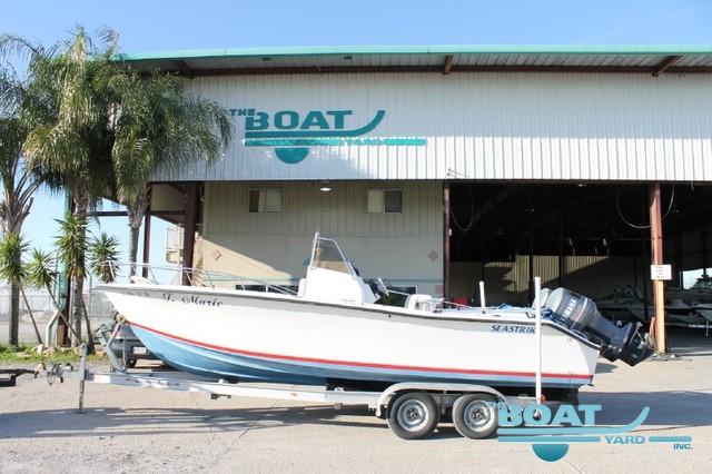 1997 seasquirt 24 SeaStriker