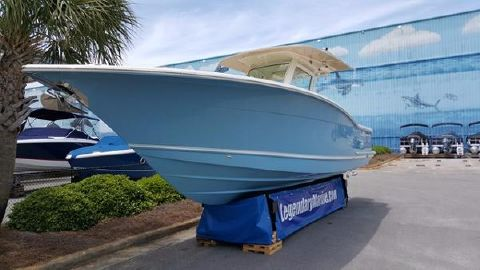 2015 Scout Boats 300 LXF