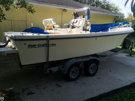 1998 May-craft 2300 1998 Maycraft 2300 for sale in Miami, FL