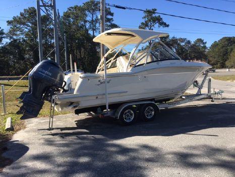 2017 Scout Boat Company 255 Dorado