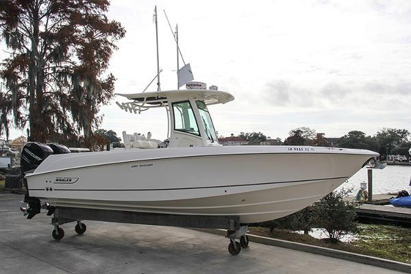 2012 Boston Whaler 28 Outrage w 300's