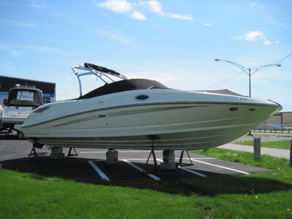 2015 Sea Ray 300 Sundeck
