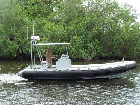 1992 Willard Sea Force 730 PROFILE