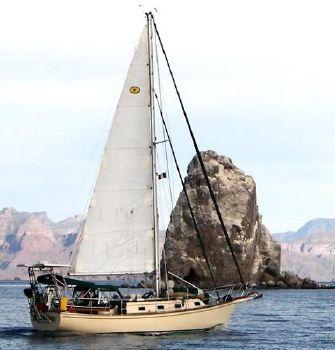 1990 Island Packet Cutter Under sail