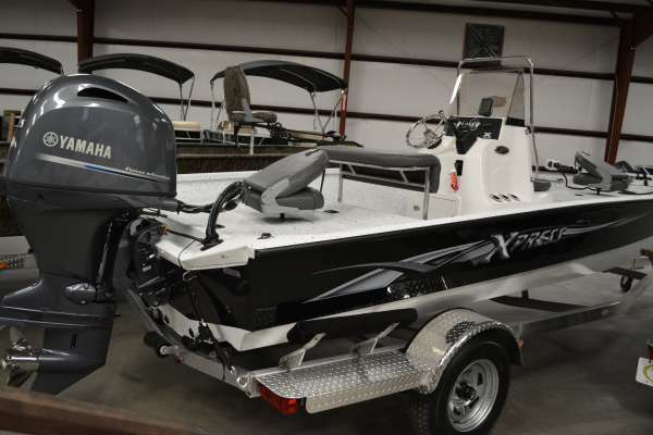 2015 Xpress H20 BAY
