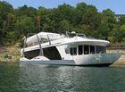 2008 THOROUGHBRED Houseboat