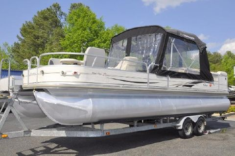 2005 Sun Tracker Party Barge 27 Regency