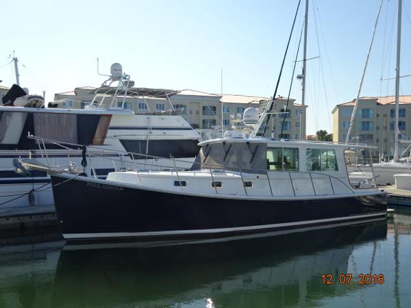 2006 Campbell Duffy Downeast 37' Campbell port forward profile photo1