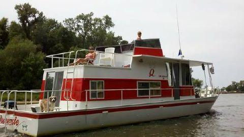 1973 River Queen Flybridge