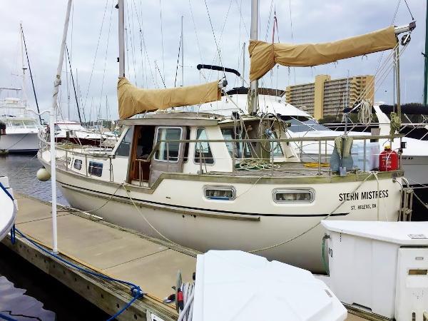 1988 Nauticat 33 Pilothouse
