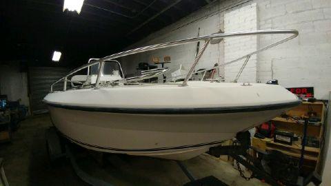 2002 Angler Boats 204cc
