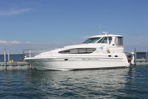 Used 2003 SEA RAY 390 Motor Yacht, Charlevoix, Mi - 49720 - BoatTrader.com