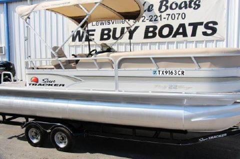 2015 Tracker party barge 22 dlx