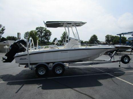 2012 Boston Whaler 200 Dauntless