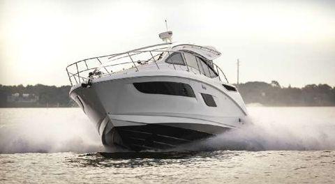 2016 Sea Ray 400 Sundancer