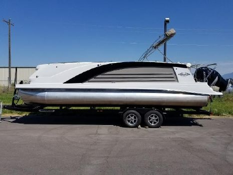 2015 Cobalt Marker One M27 Used 2015 Marker One M27 Pontoon Boat For Sale
