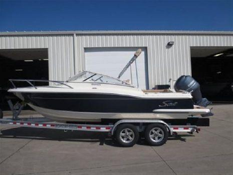 2013 Scout Boats 225 Dorado