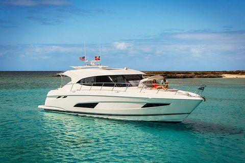 2018 Riviera 5400 Sport Yacht Riviera 5400 Sport Yacht Sun Pad 01.jpg.jpg