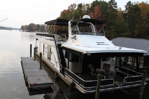 2002 Majestic Houseboat
