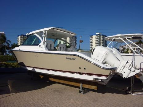2018 Pursuit 325 Dual Console