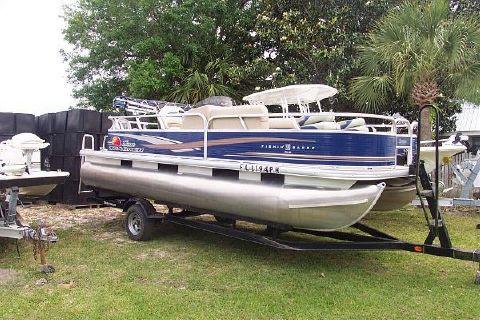 2012 Bass Tracker fishin barge 20dlx
