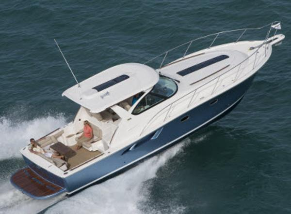 2014 Tiara 3900 Coronet Manufacturer Provided Image
