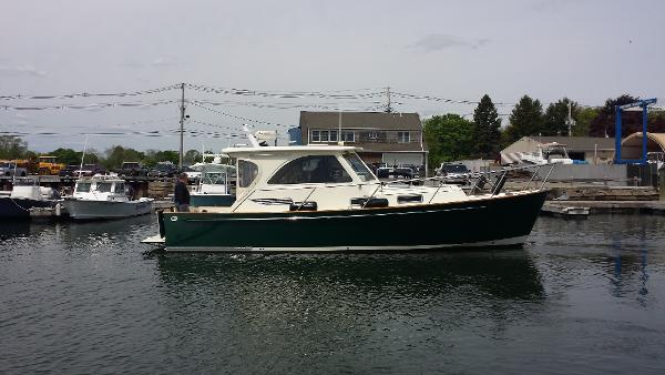 2005 Legacy Yachts 34 Sport Express Madrigal III