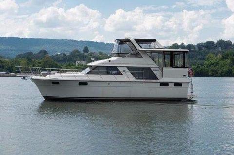 1987 Carver 4207 Aft Cabin Motoryacht