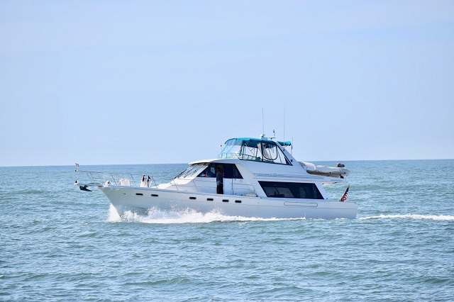 Check out this 1998 BAYLINER 4788 on Boattrader com